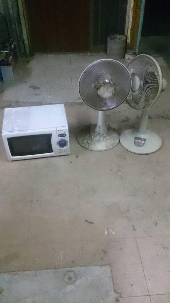 電子レンジと扇風機