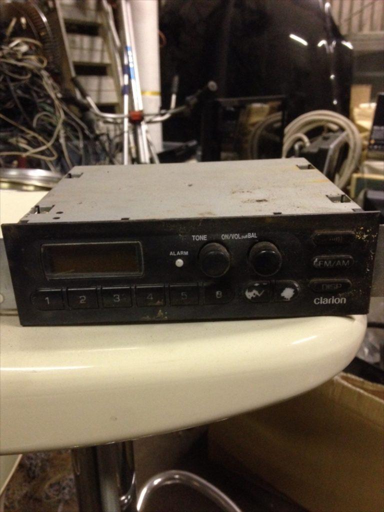 不用品回収したカーラジオ