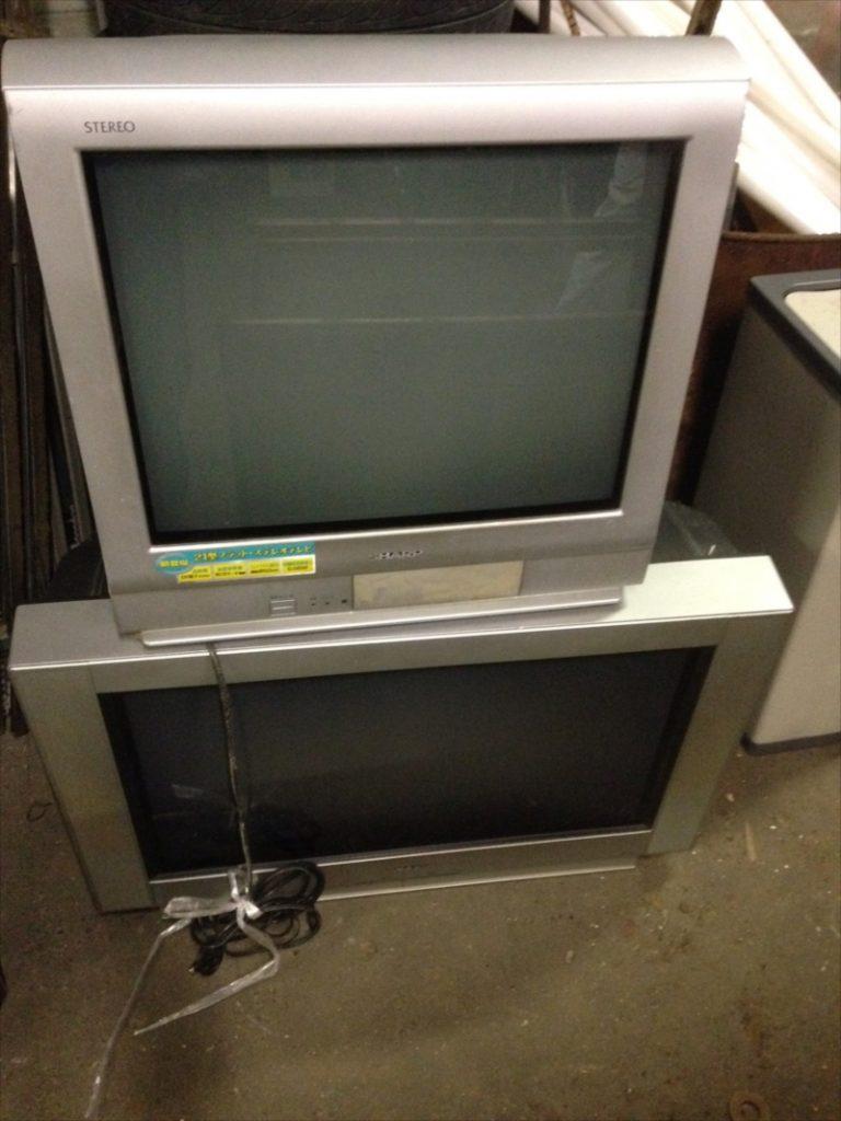 不用品回収したブラウン管テレビ