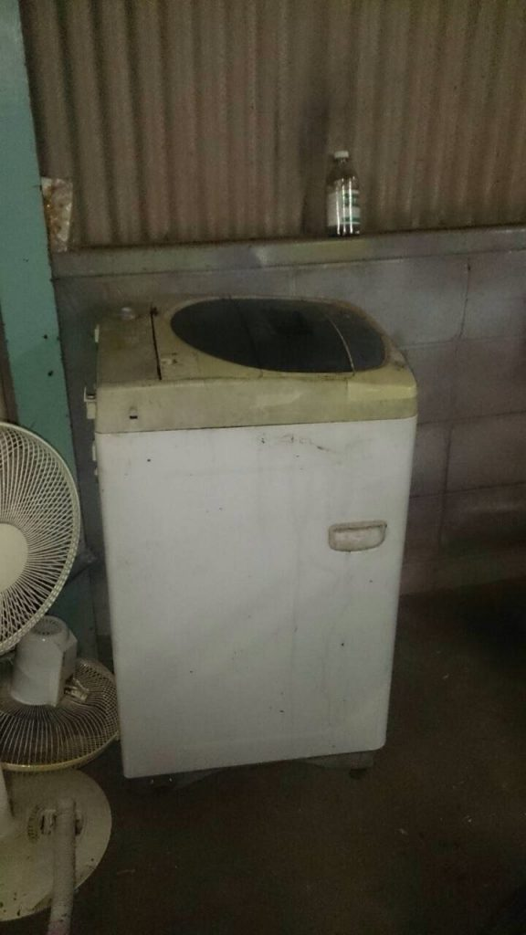 岡山市北区津島付近で回収させて頂いた洗濯機です。