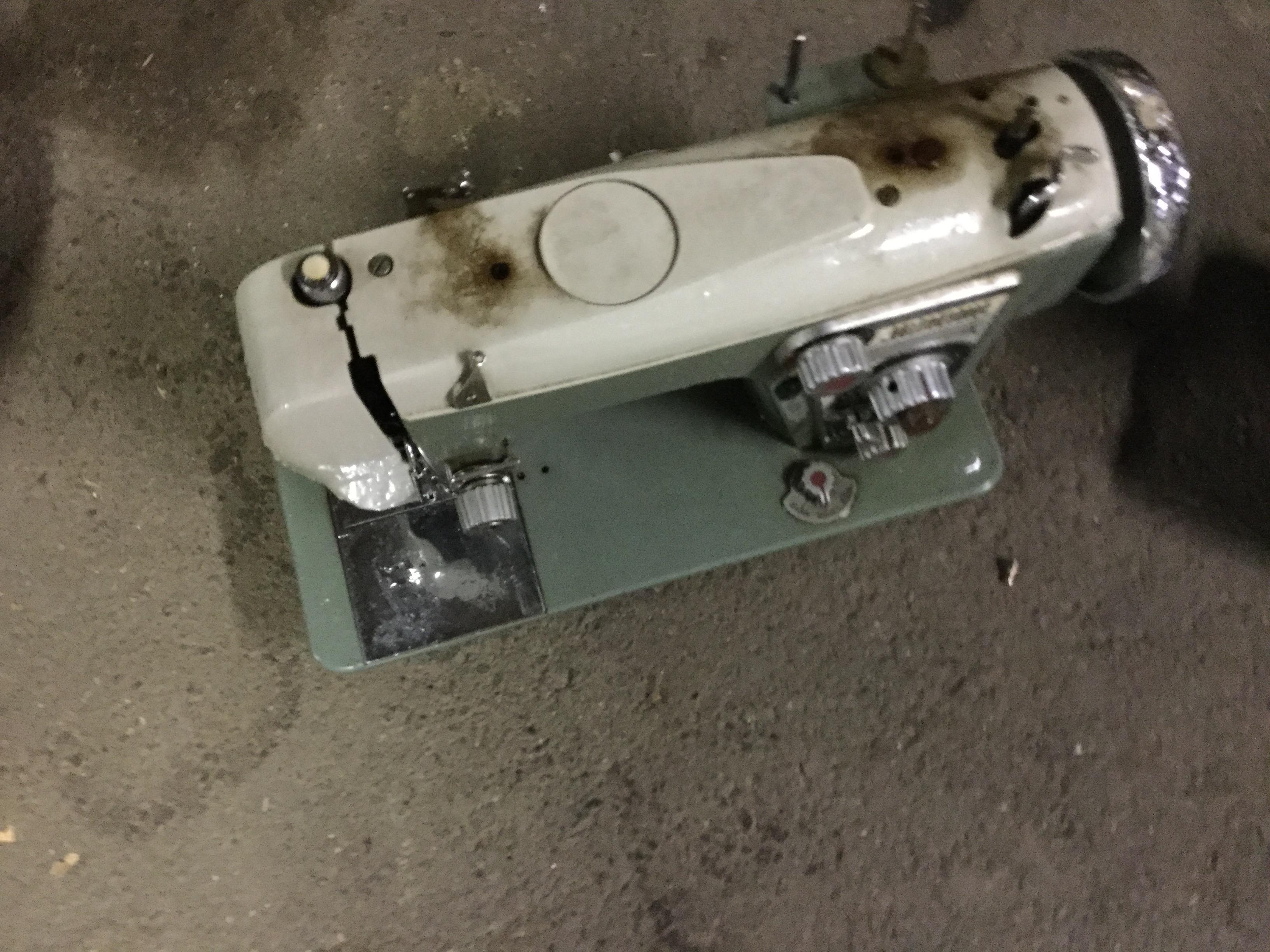玉野市で不用品回収したミシン