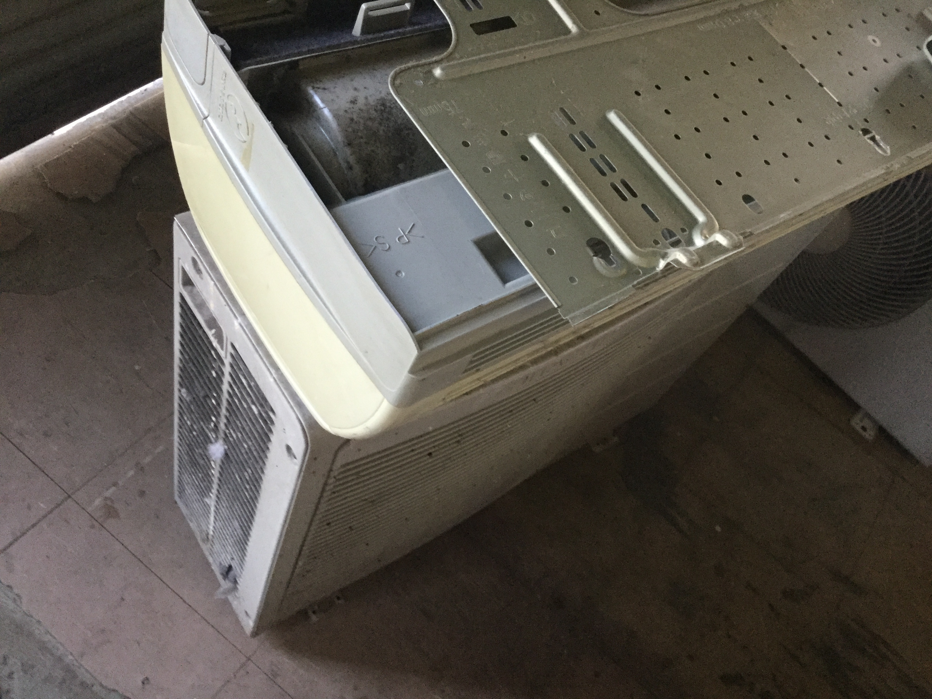 岡山県津山市で不用品回収したエアコン