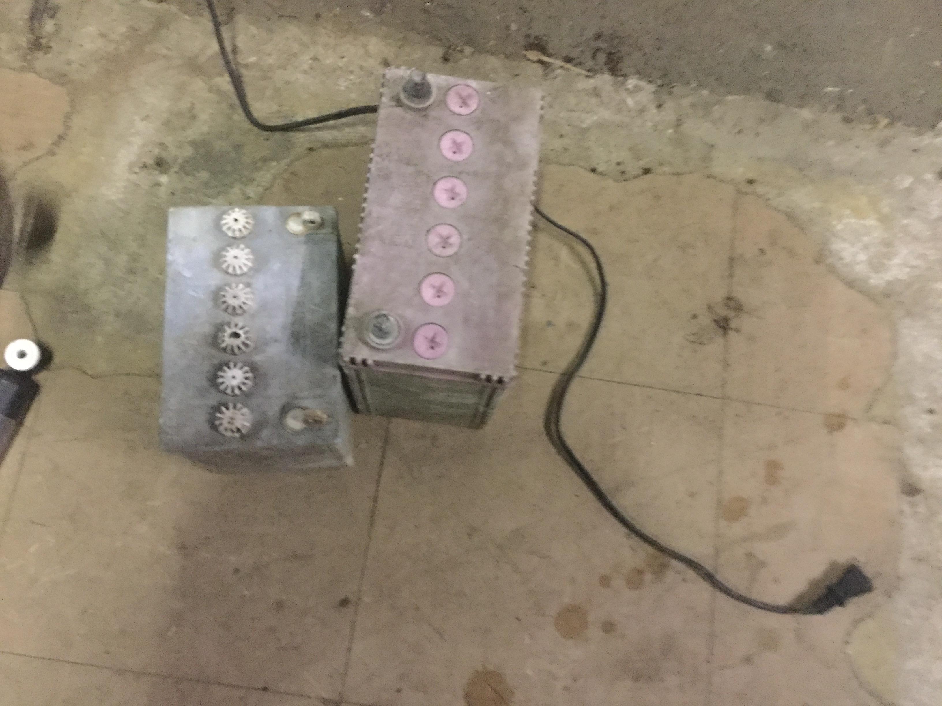 岡山市南区で不用品回収したバッテリー