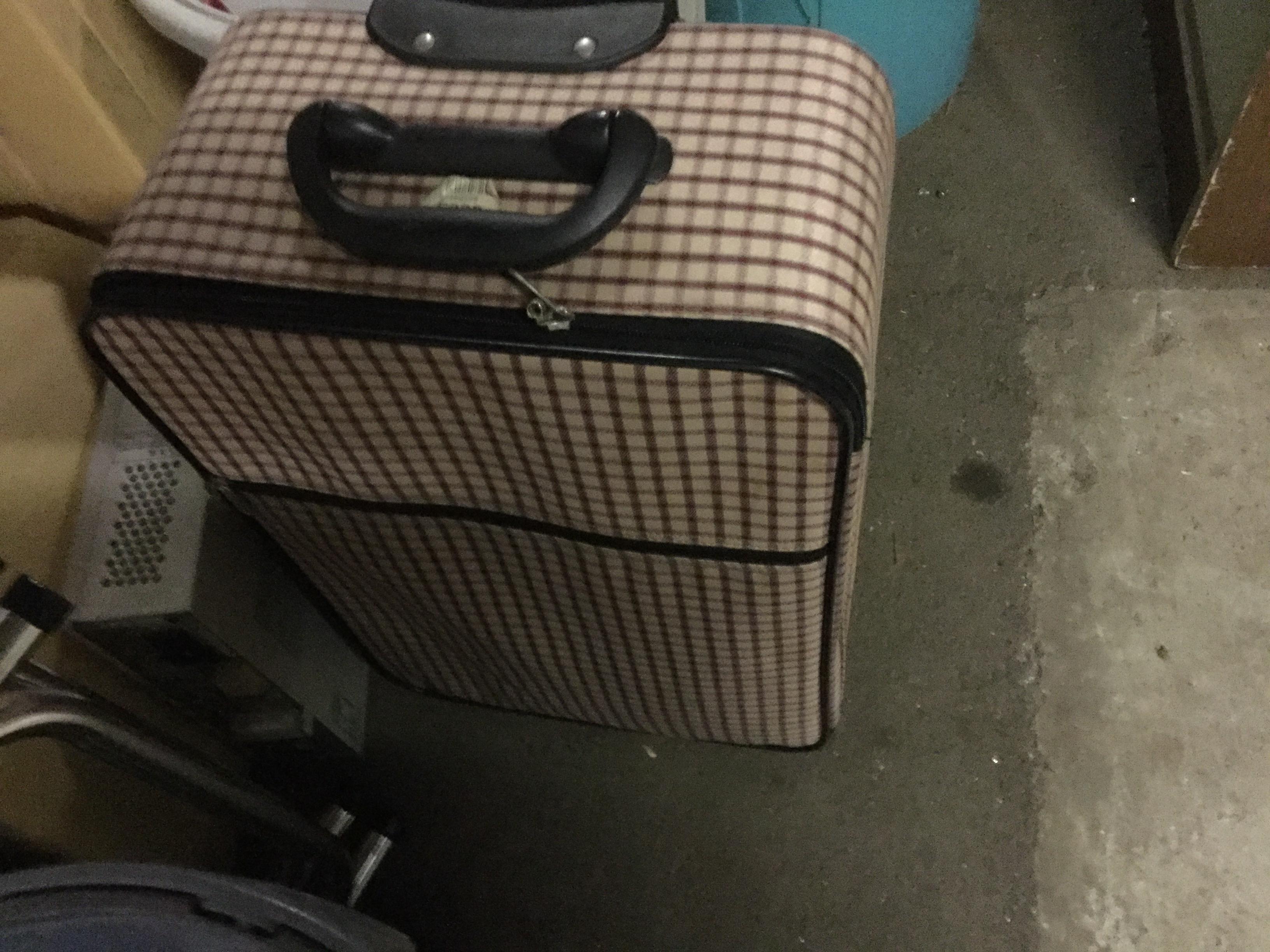 岡山市南区で不用品回収したキャリーバック