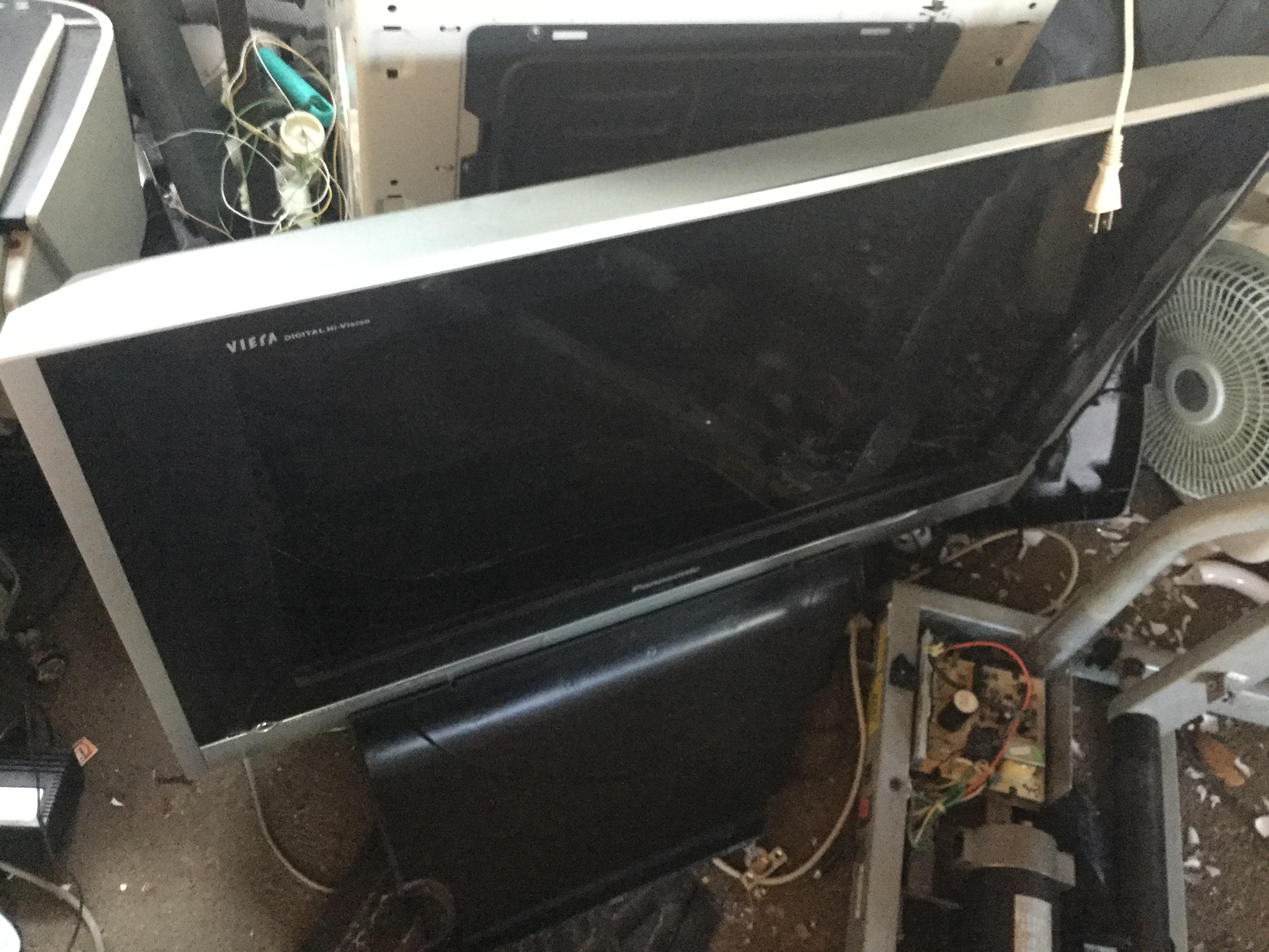 津山市で不用品回収した液晶テレビ