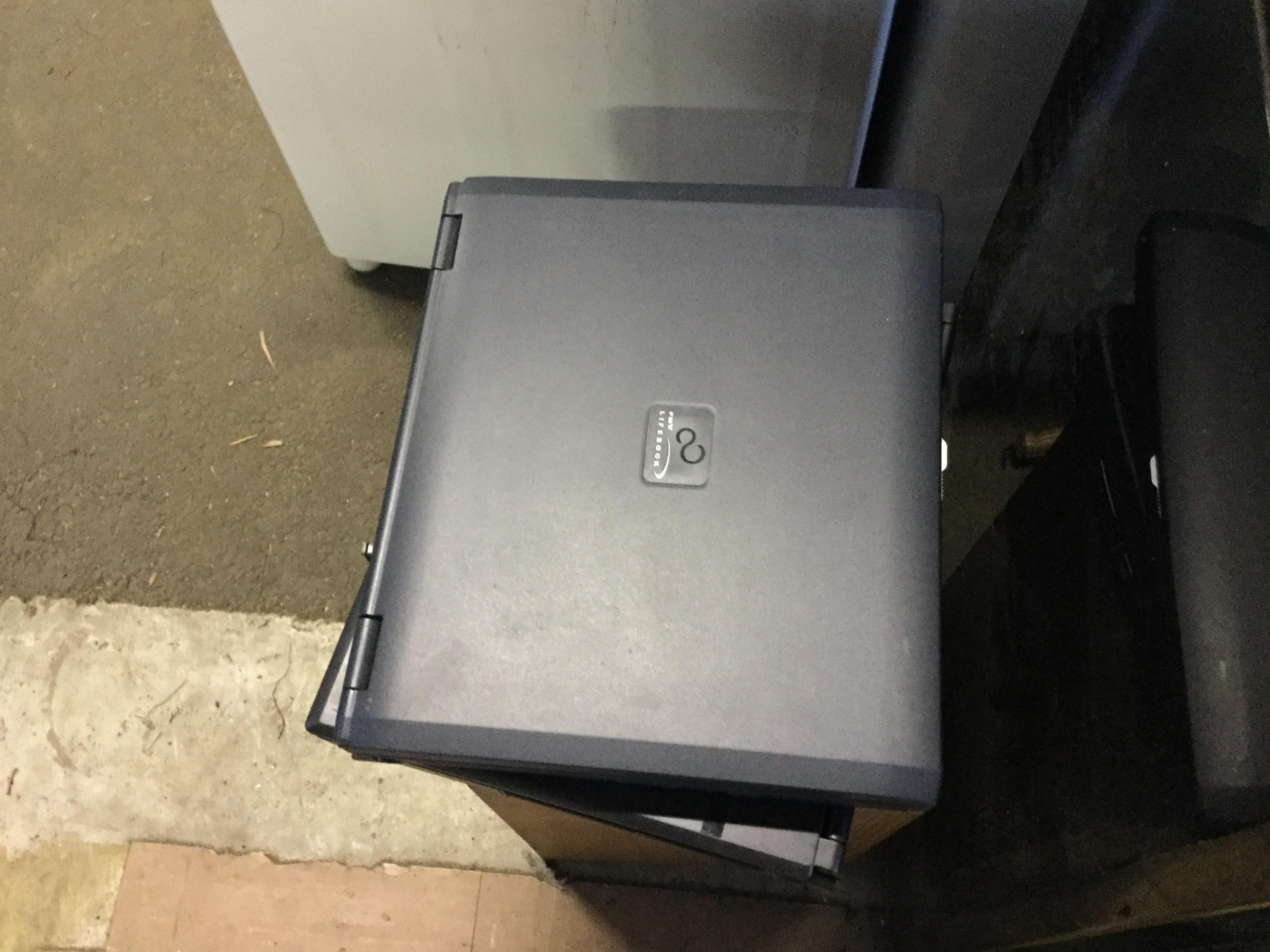 岡山市北区で粗大ゴミの回収をしたノートパソコン