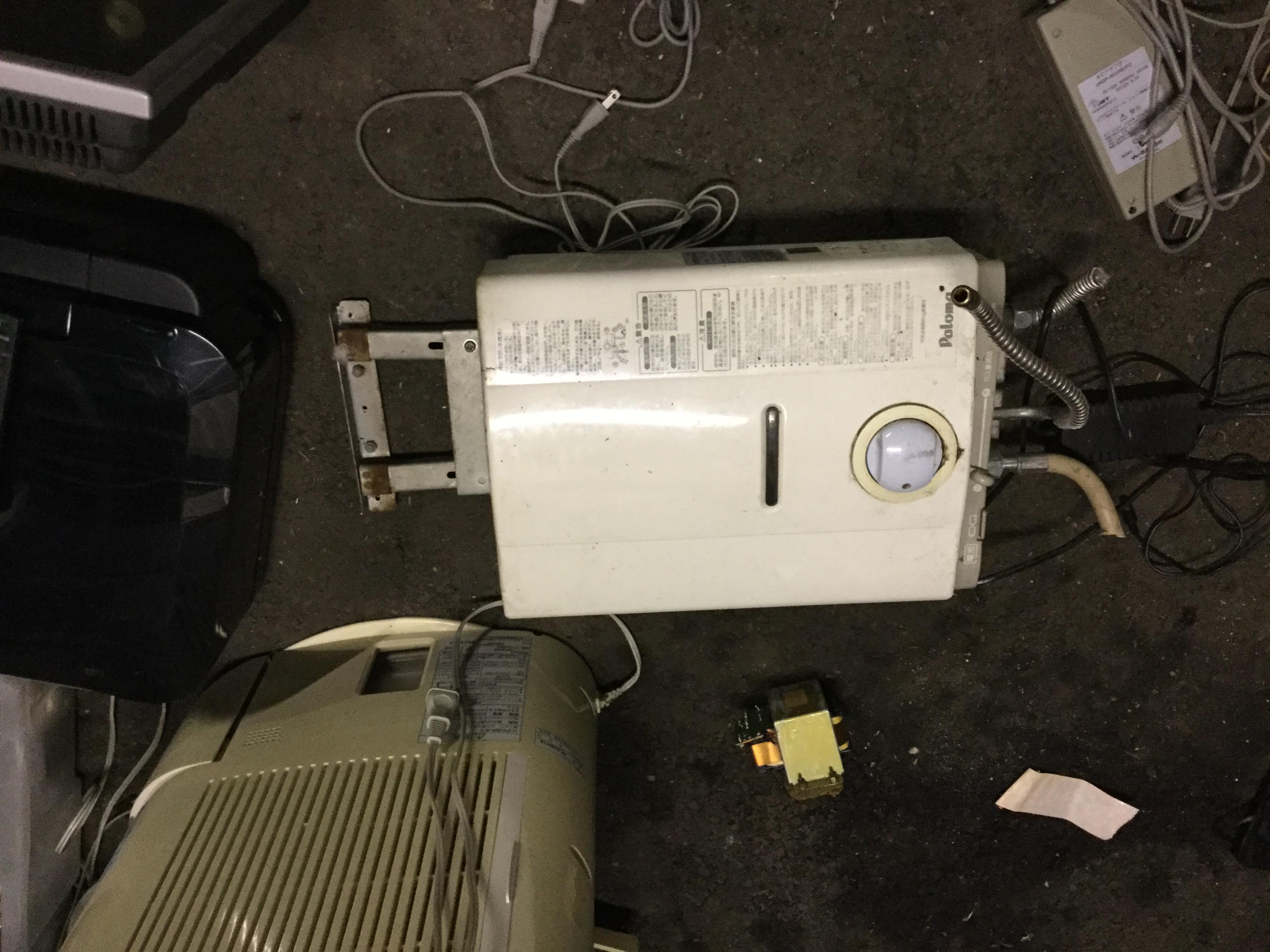 岡山市南区で不用品回収した給湯器
