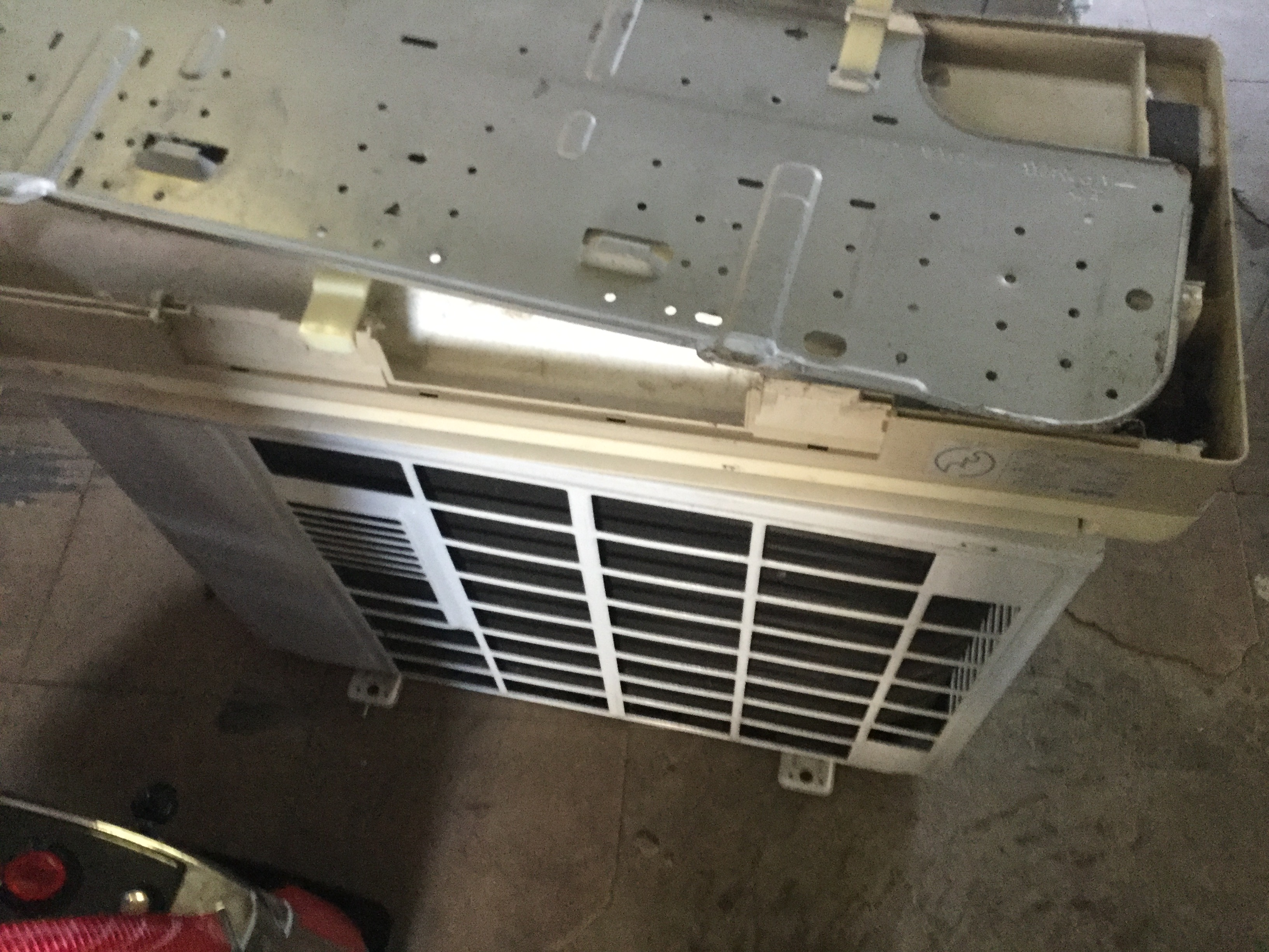 岡山市南区でエアコン回収、処分