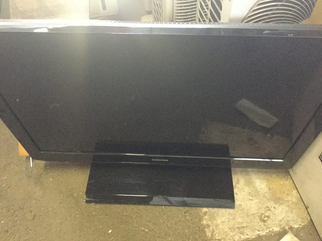 岡山市中区網浜付近で回収したテレビです。