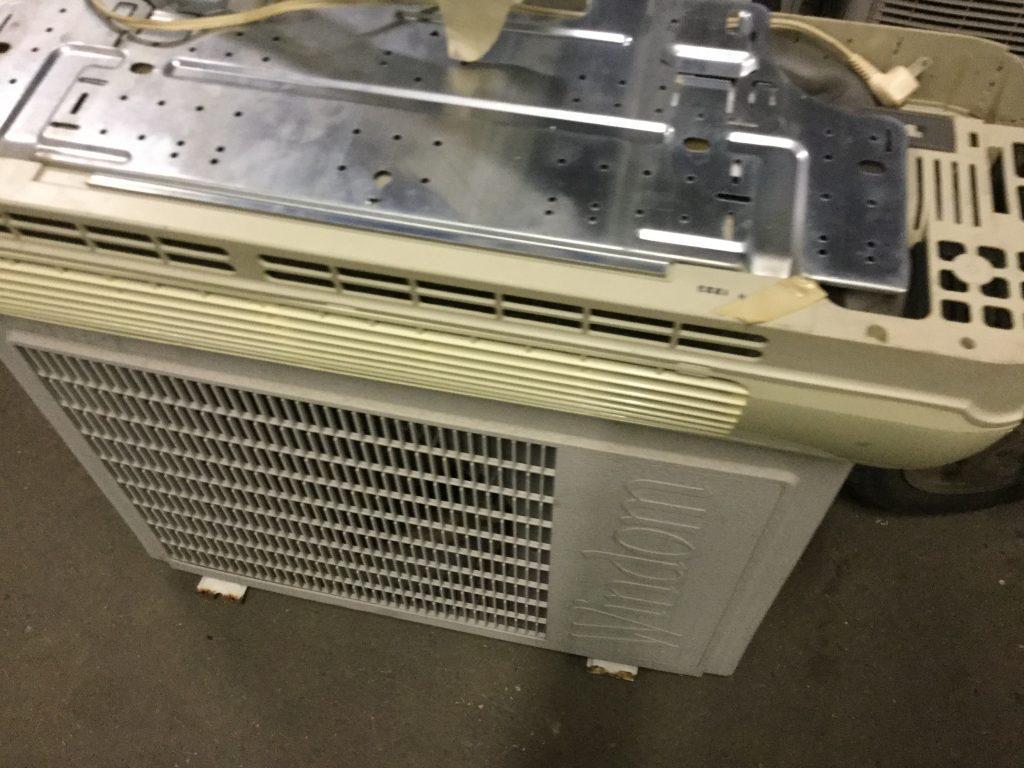 岡山市中区雄町付近で回収したエアコンです。