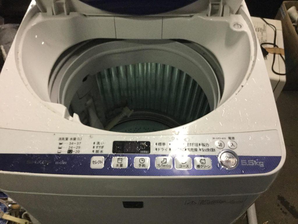 岡山市南区奥迫川付近で回収した洗濯機です。