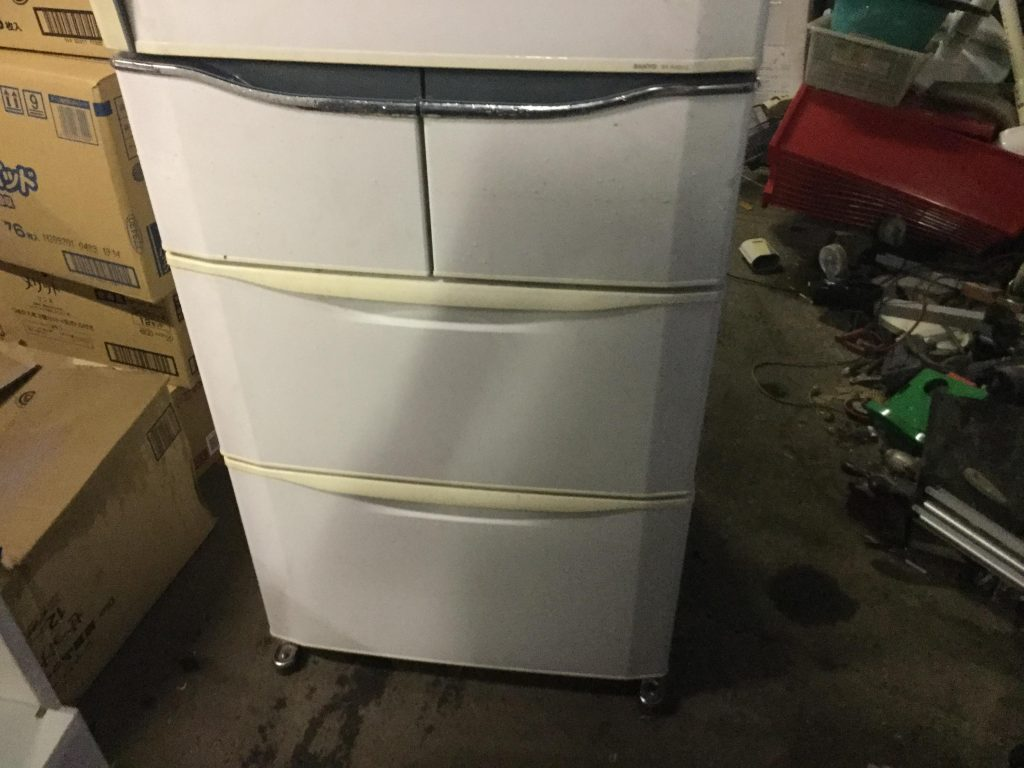 岡山市南区奥迫川付近で回収した冷蔵庫です。