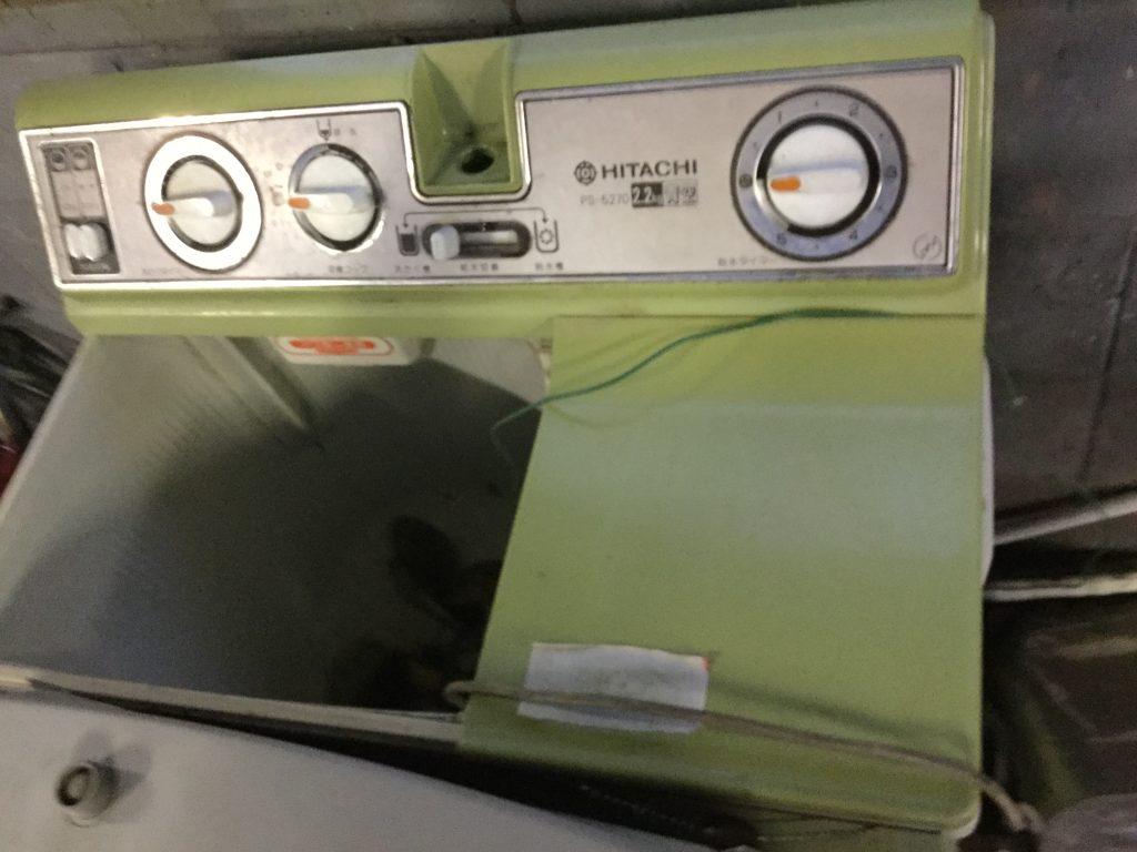岡山市中区奧市付近で回収した二層式洗濯機です。