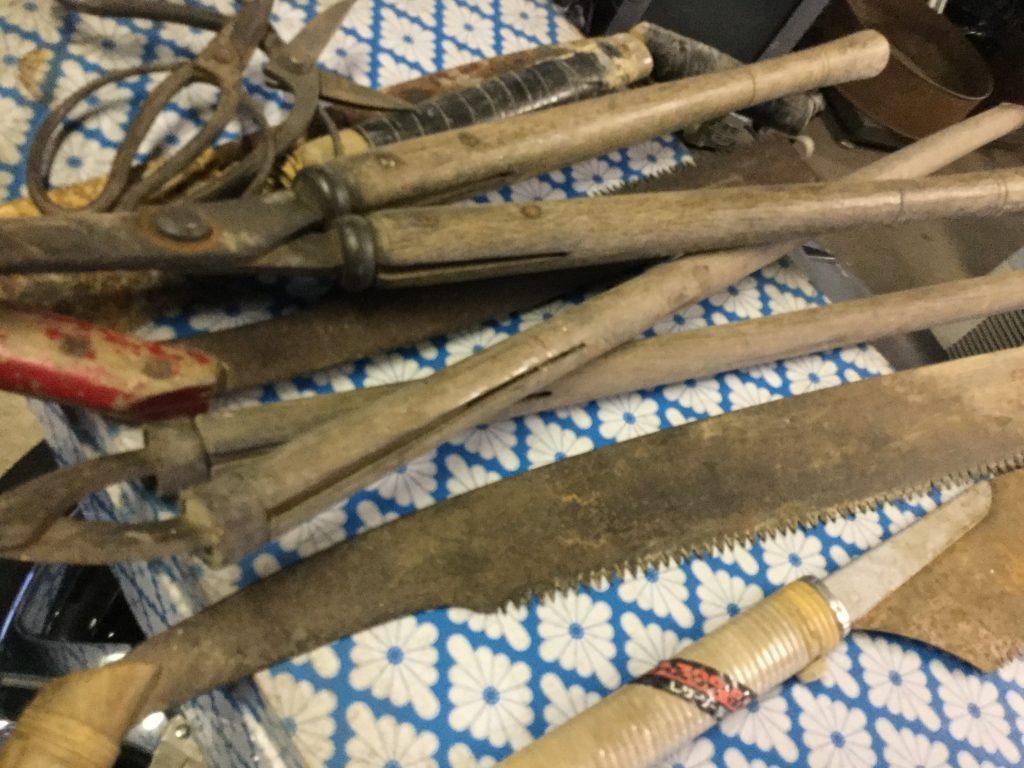 岡山市東区西大寺付近で回収したノコギリ類です。
