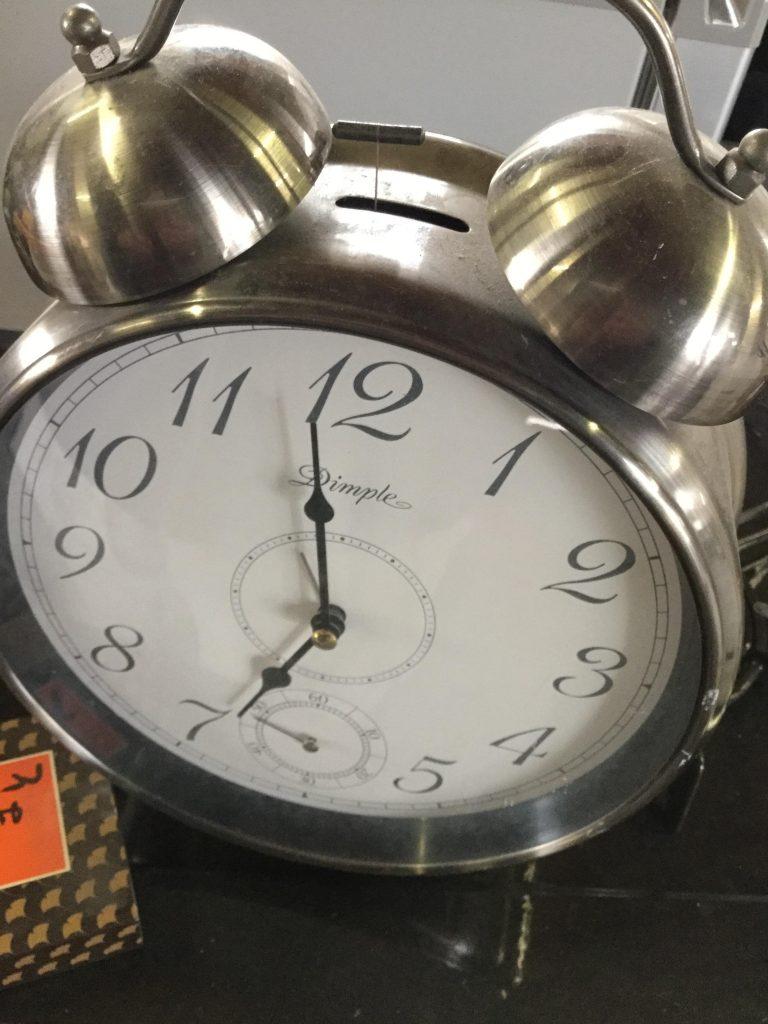 目覚まし時計です。