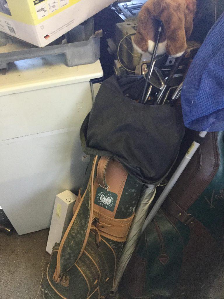 キャディバッグです。
