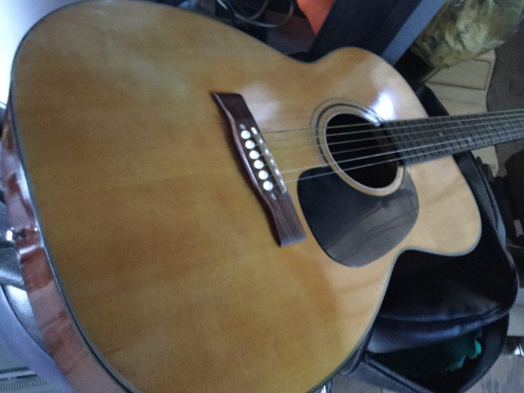 ギターです。