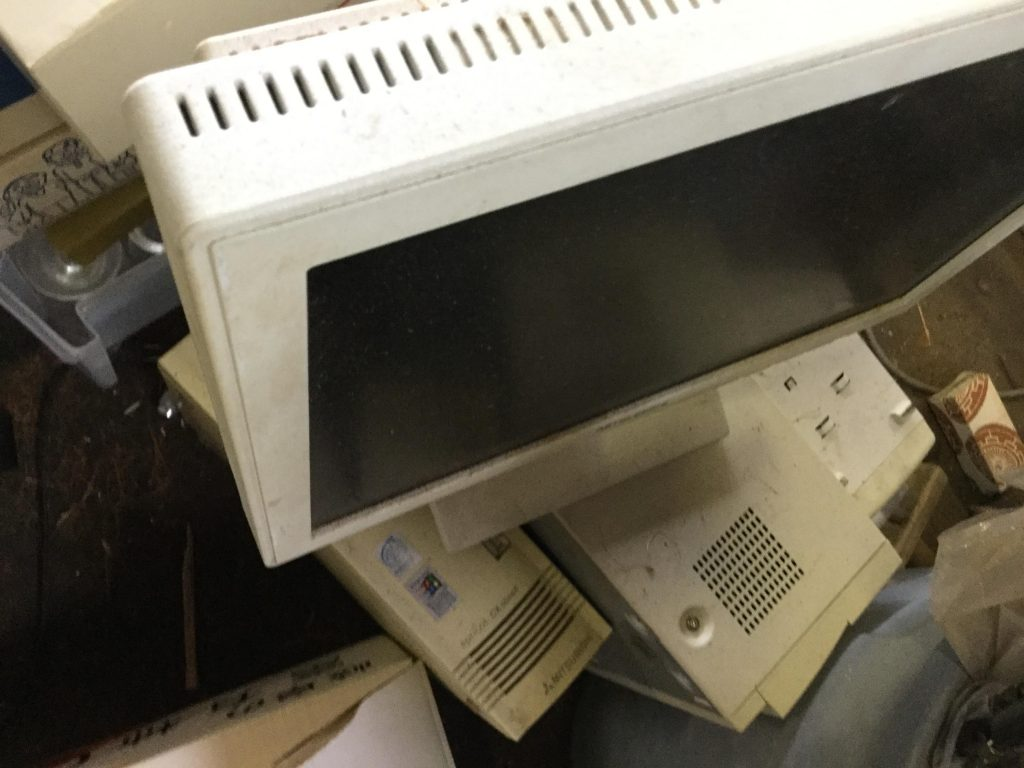 パソコンモニターです。