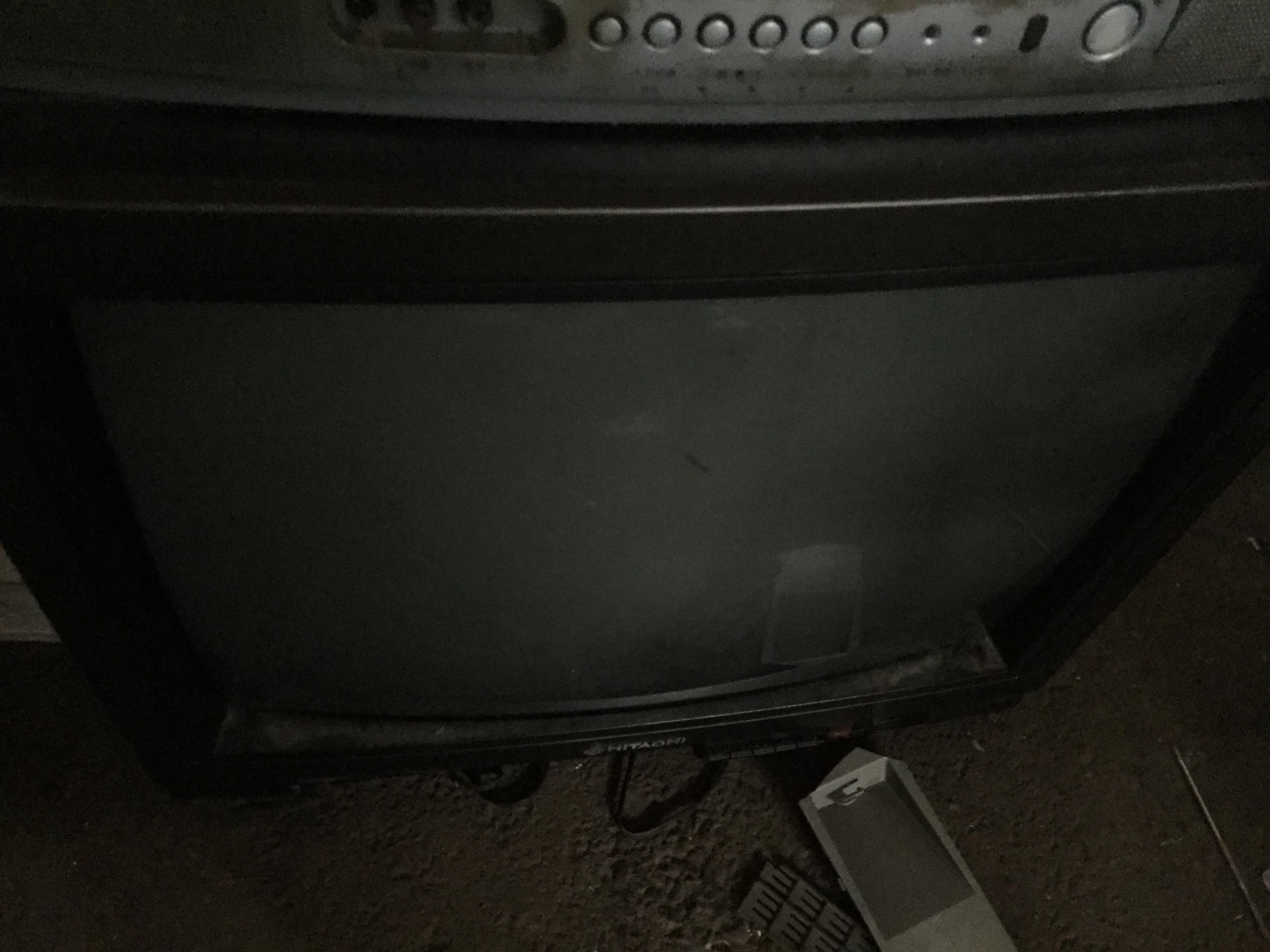 黒のブラウン管テレビです。