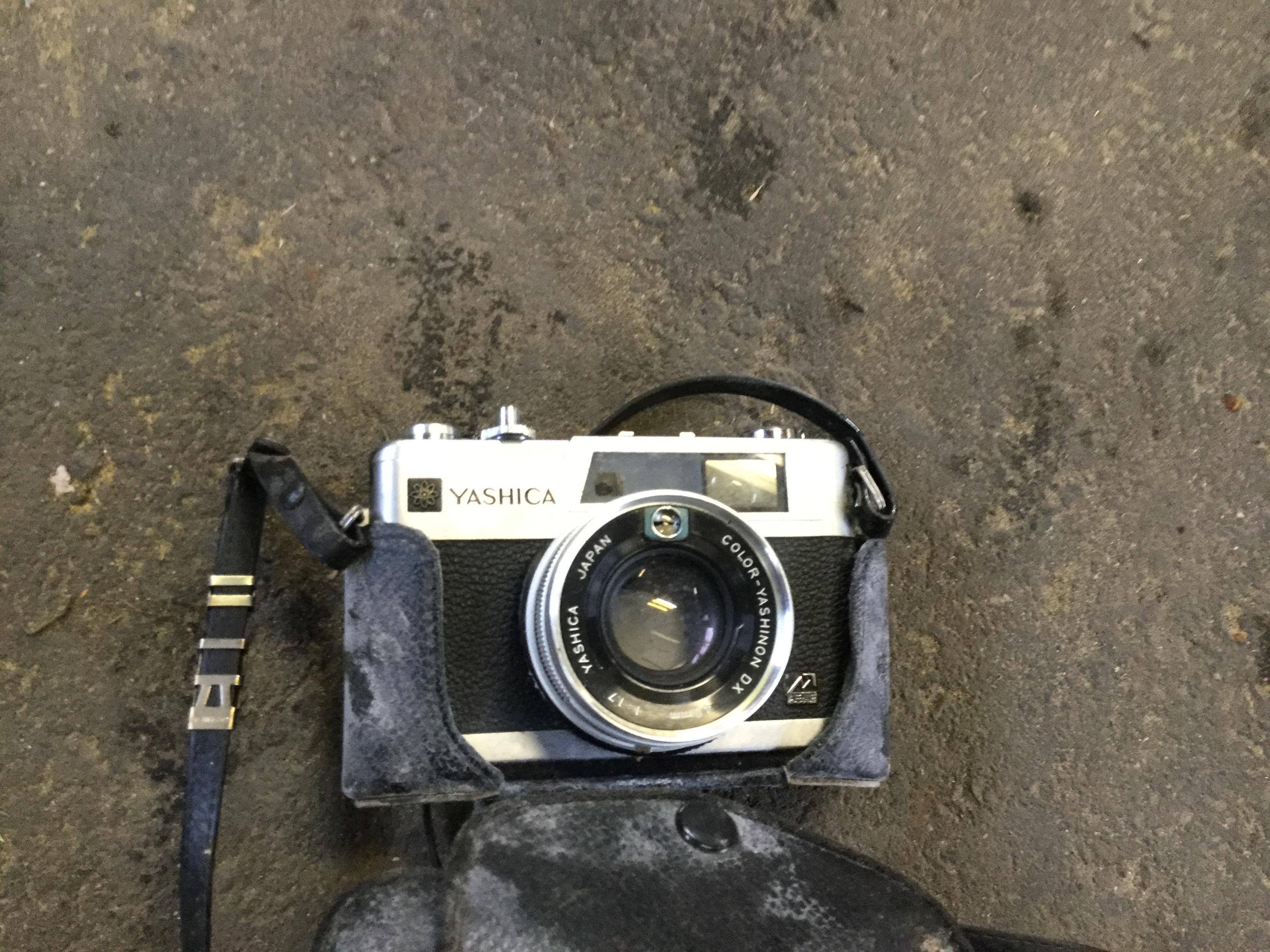岡山県岡山市中区竹田付近で回収した不用品のカメラです。