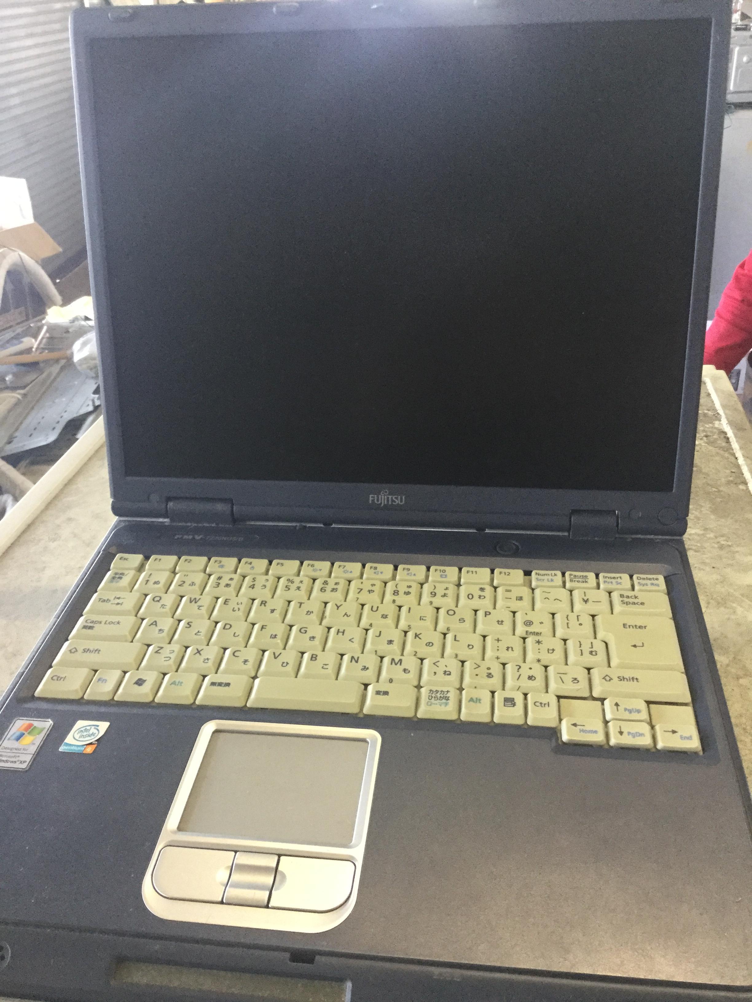 ノートパソコンです。