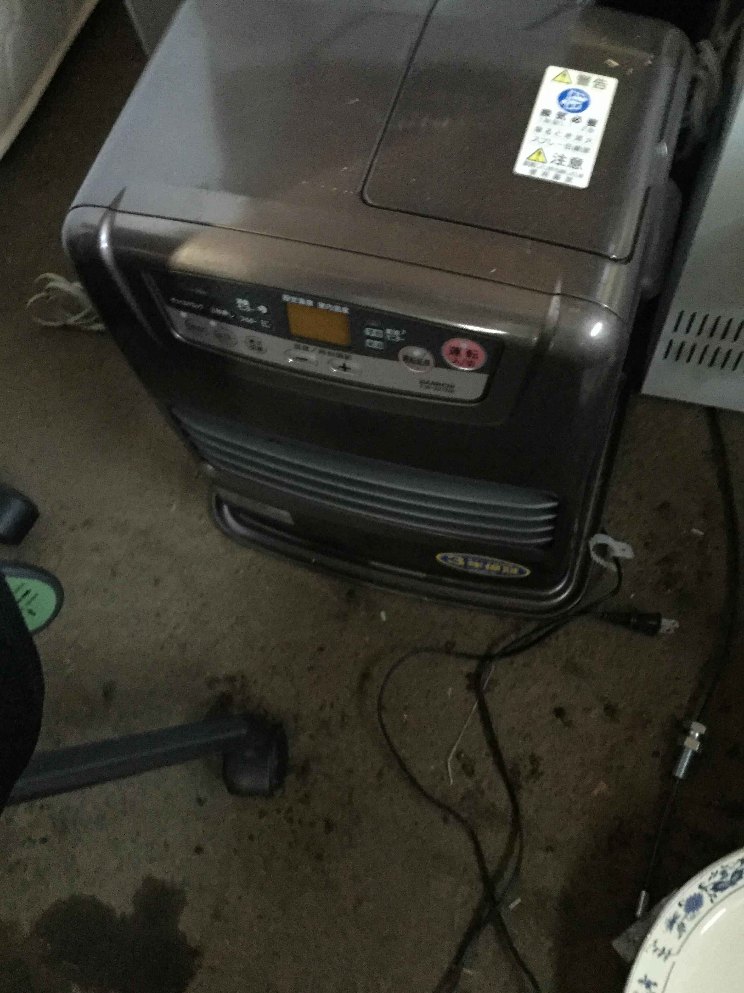 岡山県玉野市玉原付近で回収した不用品のファンヒーターです。