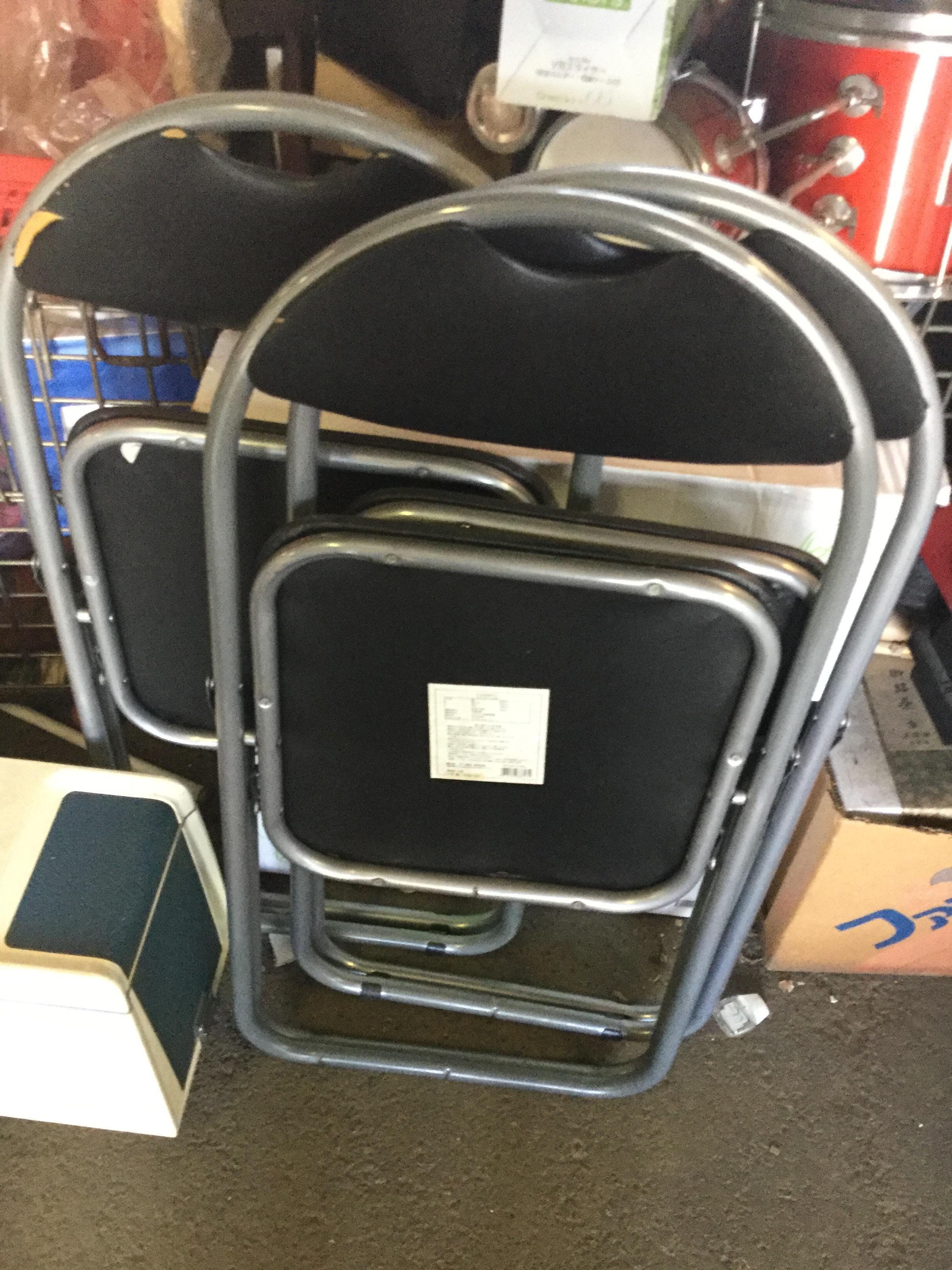 パイプ椅子です。