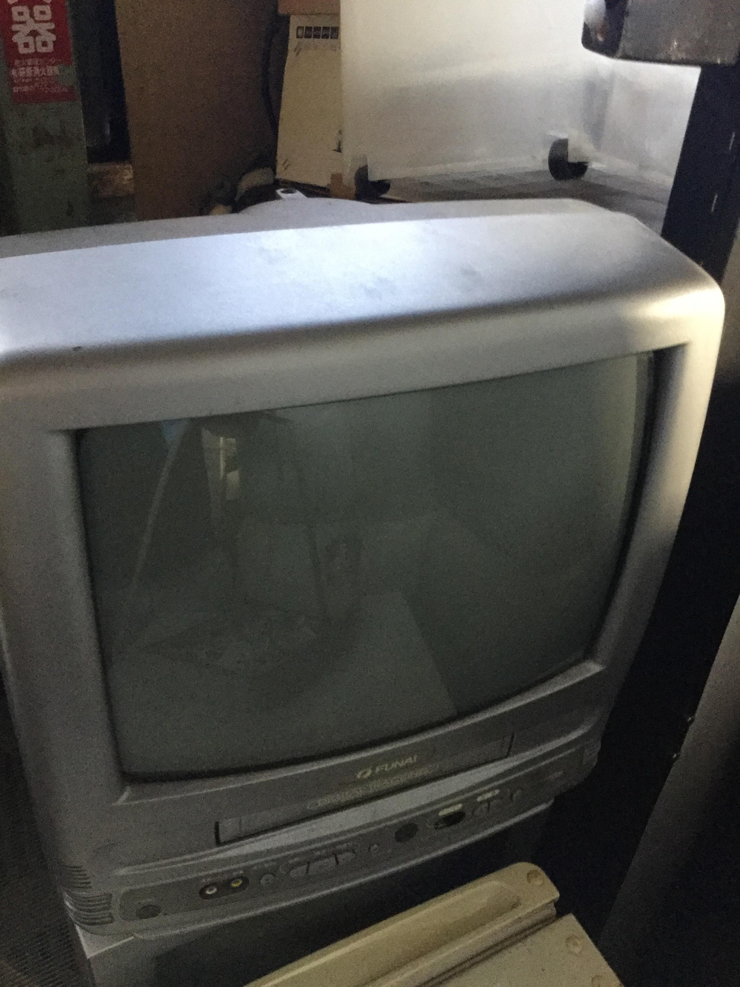 岡山県岡山市南区福島付近で回収した不用品のテレビデオです。