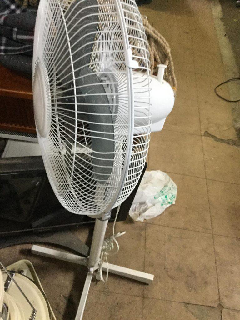 岡山市北区付近で回収させて頂いた扇風機です。
