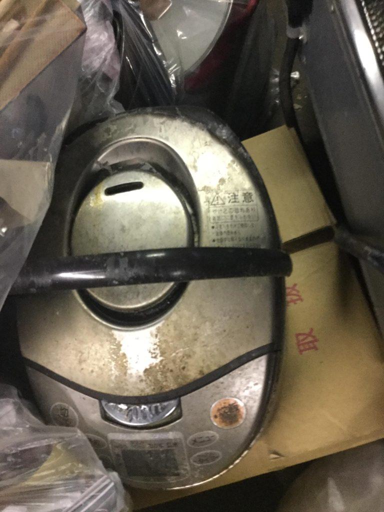 岡山市北区で不用品の回収をさせて頂いた炊飯器