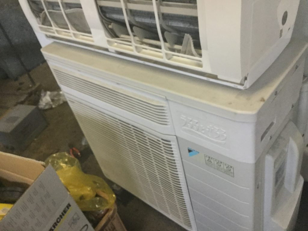 岡山県美作市でのエアコン取り外しからエアコン回収、処分