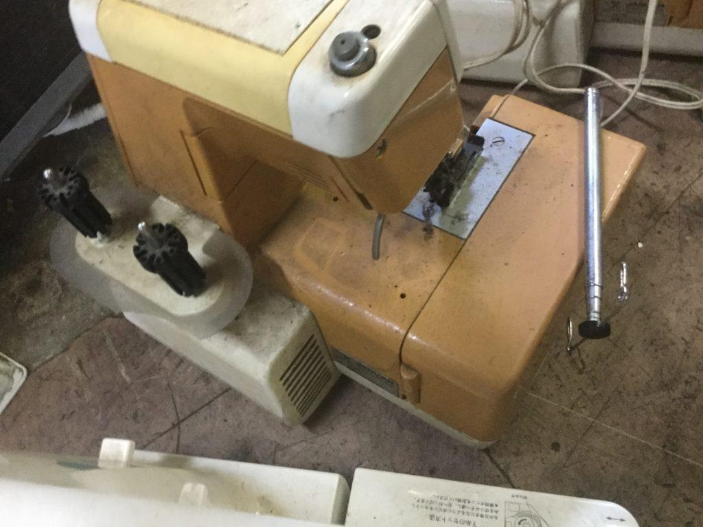 岡山県備前市伊部で回収した古いミシン