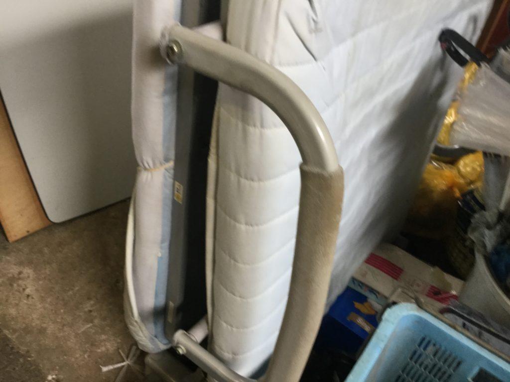 岡山県瀬戸内市長船町で不用品回収した折りたたみベッド