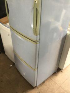 備前市伊部での不用品回収、粗大ゴミの片付け回収した冷蔵庫