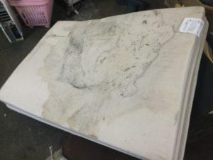 井原市での不用品回収、粗大ゴミの片付け回収したマットレス