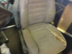 岡山市北区での不用品回収、粗大ゴミの片付け回収した座椅子