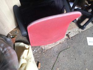 岡山市南区での不用品回収、粗大ゴミの片付け回収した椅子
