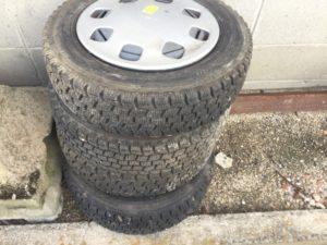 岡山市北区での不用品回収したタイヤ