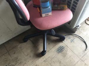 岡山県で回収した椅子