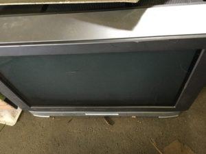 総社市総社での不用品回収、粗大ゴミの片付け回収したブラウン管テレビ