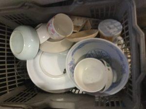浅口市鴨方での不用品回収、粗大ゴミの片付け回収した食器