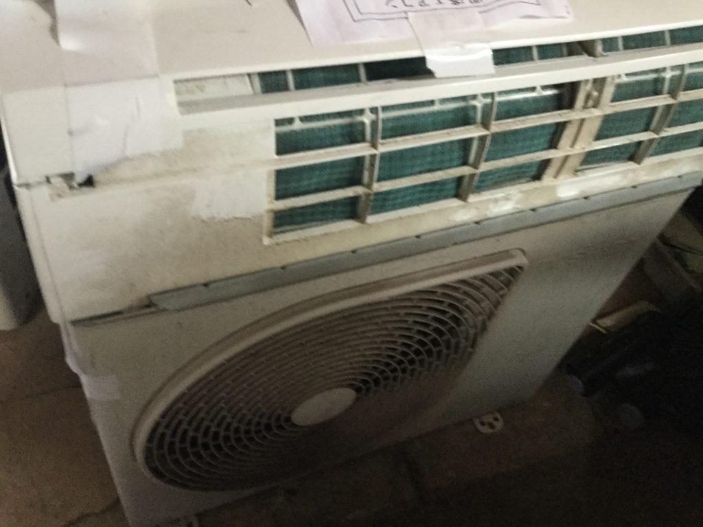 岡山県井原市で取り外し回収したエアコン
