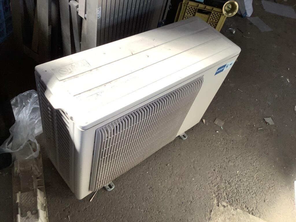 岡山市北区で取り外し回収したエアコン