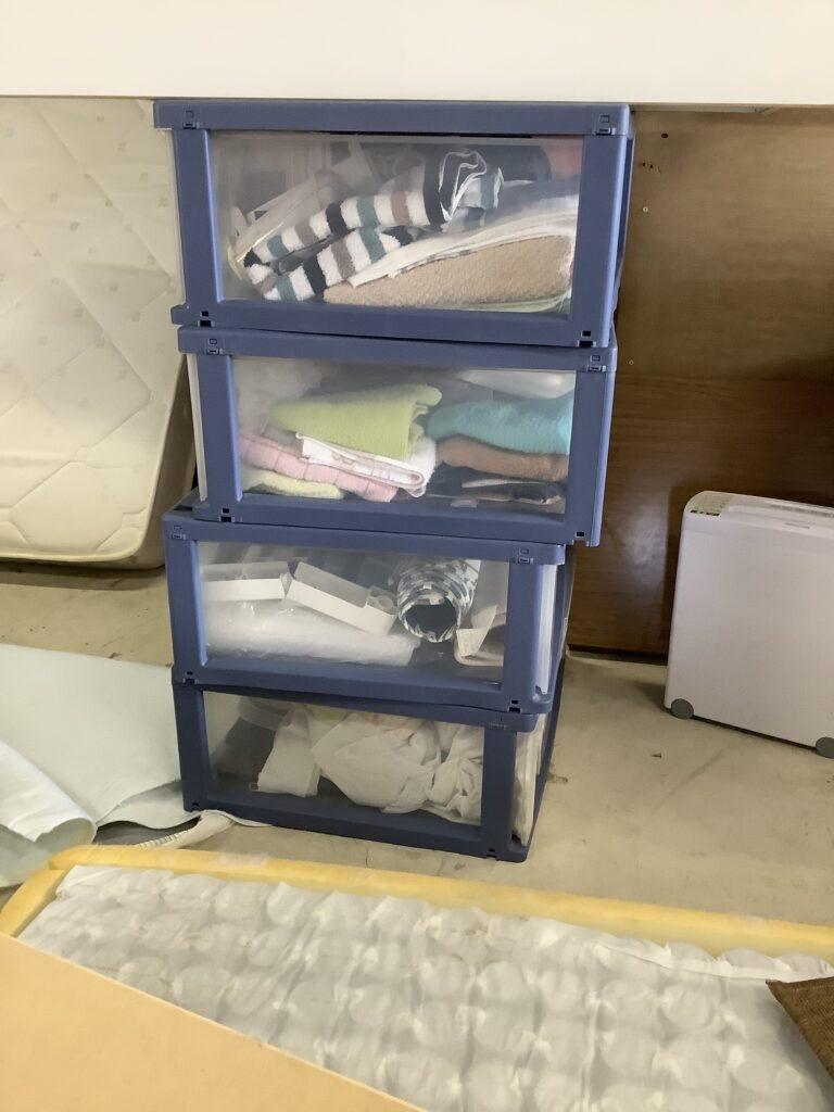 岡山県玉野市でエアコンと一緒に回収した衣装ケース