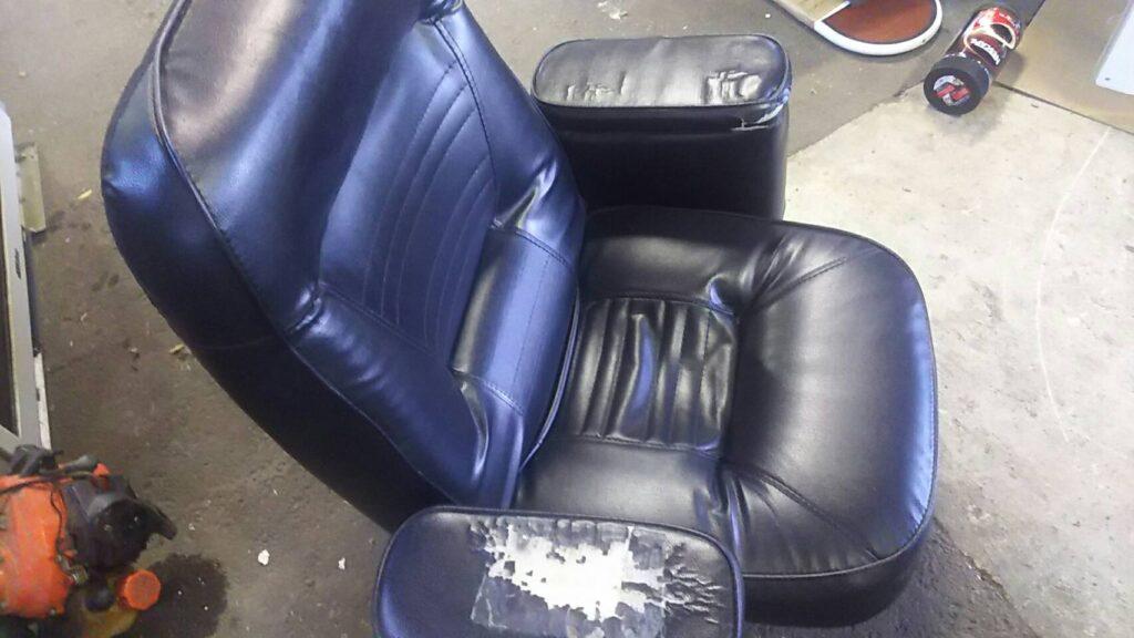 総社市で回収した回転椅子