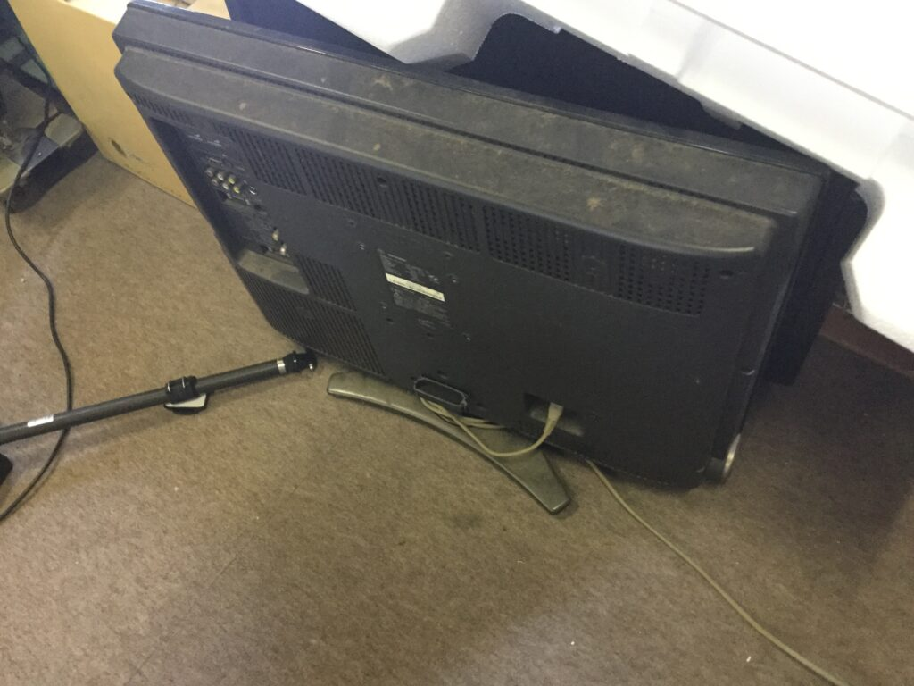 総社市で不用品回収した液晶テレビ
