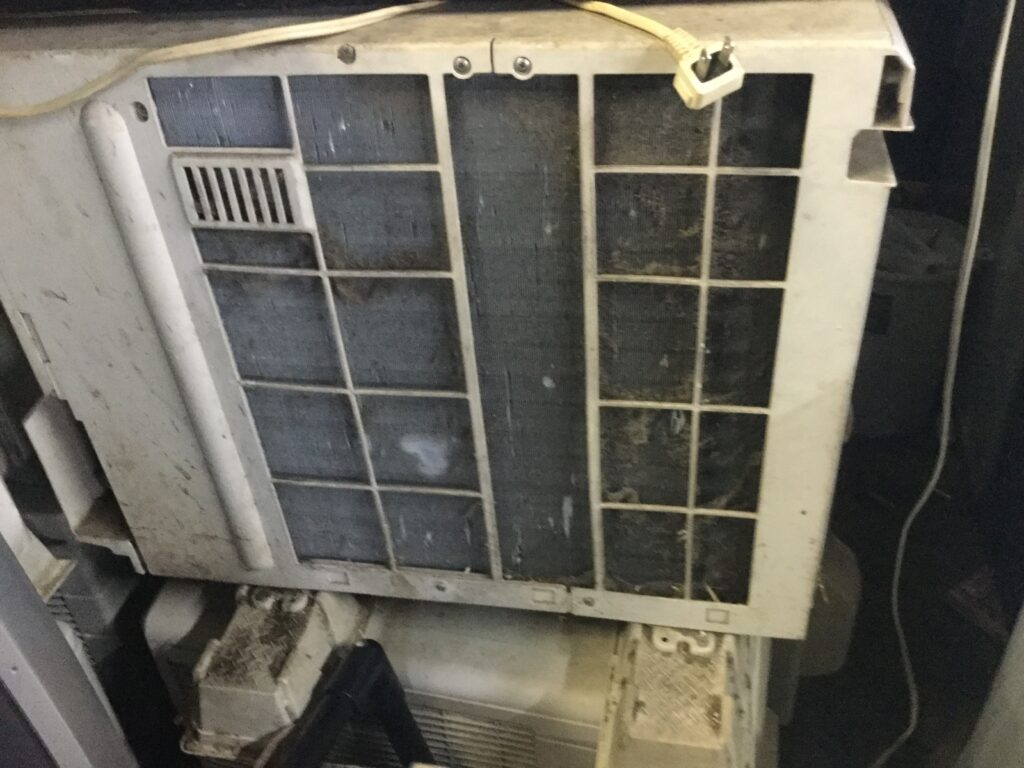 赤磐市でのエアコン取り外しからエアコン回収