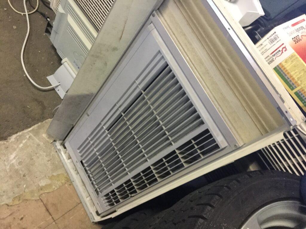 美作市で取り外し回収したエアコン