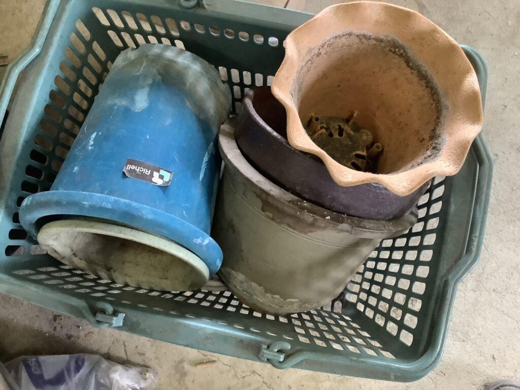 岡山市内で回収した植木鉢