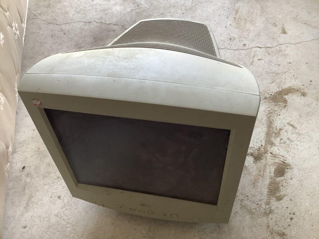 岡山市内で回収したテレビ